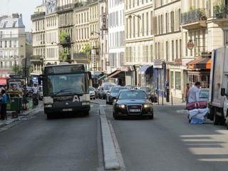 IMG_0851 r du Faubourg St Denis