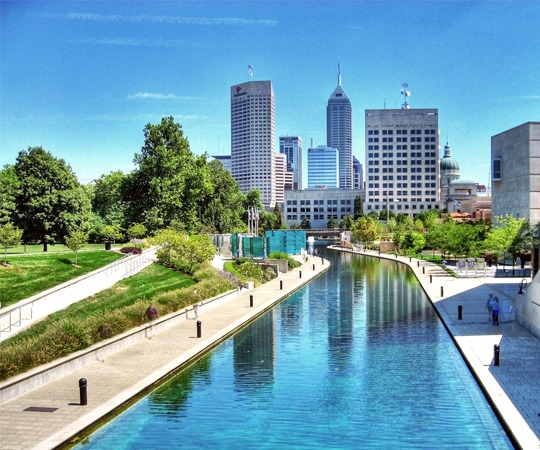 Canal_walk_Indianapolis